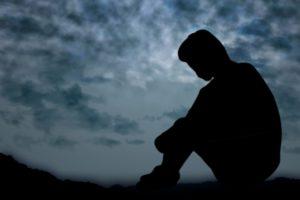 鬱病になっている男性の画像